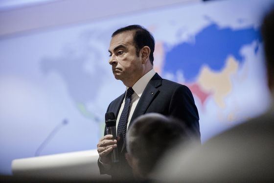 Former French Ministers Defend Ghosn as Government Holds Fire