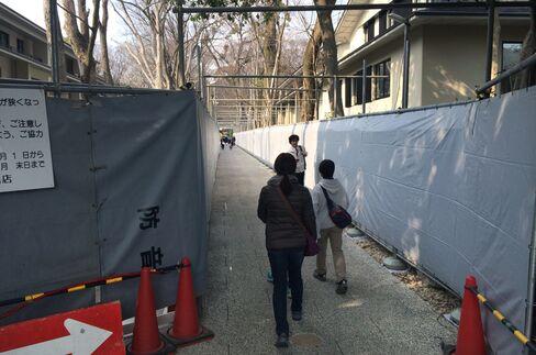 下鴨神社の所有地で進むマンション建設