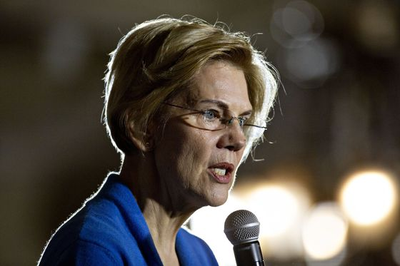 Warren Calls for 'Actively Managing'Dollar Value to Boost Jobs