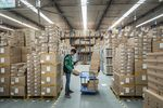 Operations at a Best Inc. Warehouse and Interview with CEO Johnny Chou