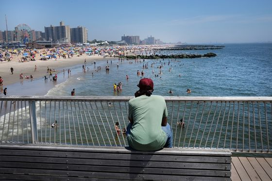 New York Swelters With Heat Challenging 19th Century Records