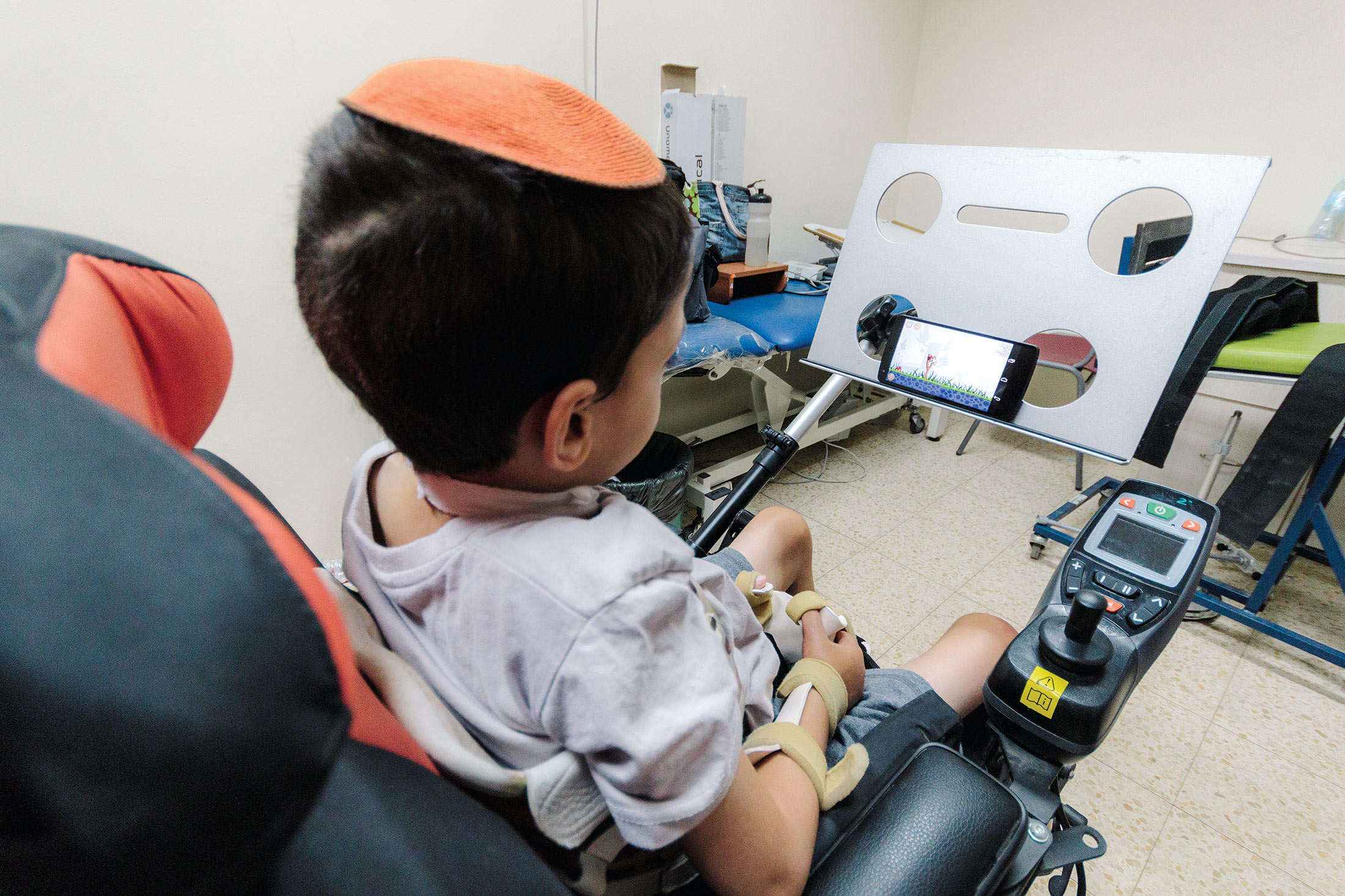 Sesame Phone: A Hands-Free Smartphone for Paralyzed Users - Bloomberg