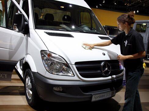 Ford Follows Daimler's Lead as Plumbers Adopt Euro Style