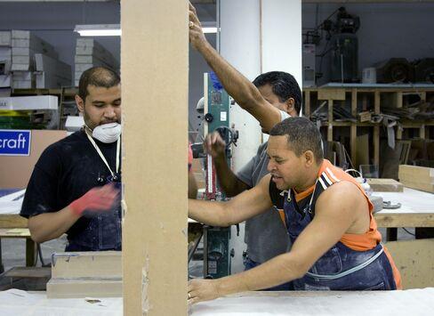 No Sign of U.S. Manufacturing Slump as Machine Makers