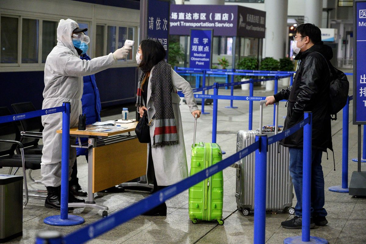 China's Biggest Airlines Report Early Hit from Virus Outbreak