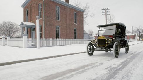 The 1914 Ford Model T has a four-cylinder engine.