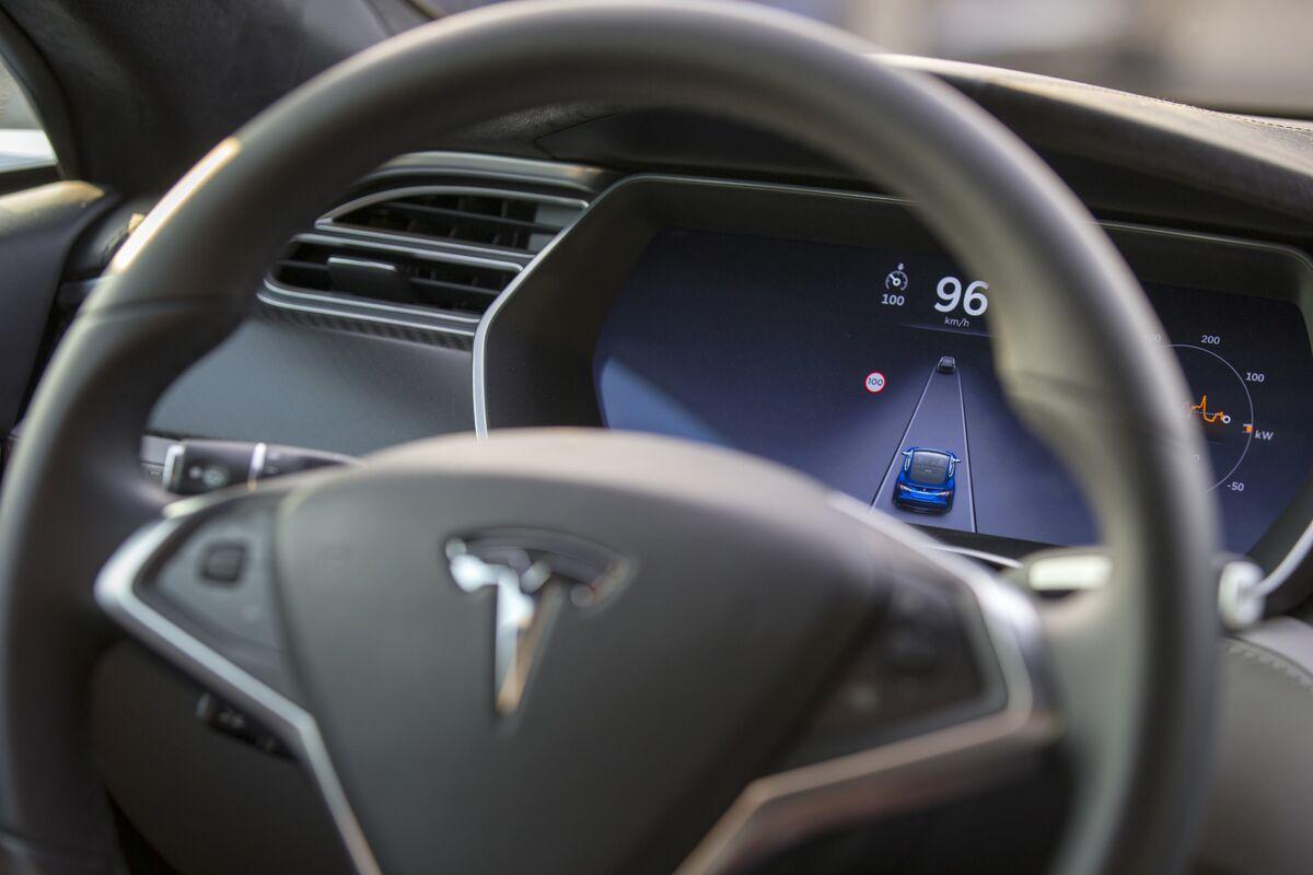 Tesla to Face Fresh Autopilot Scrutiny After Company Snubs NTSB