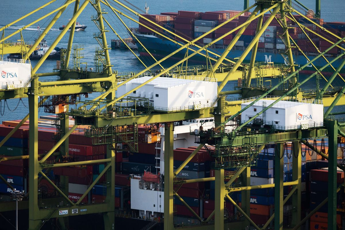 Singapore's Grim Export Numbers Add to Economy's Warning Signs