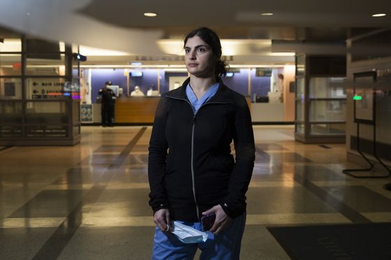 Sirens, Deaths and Grief Fray the Mental Health of Virus Doctors