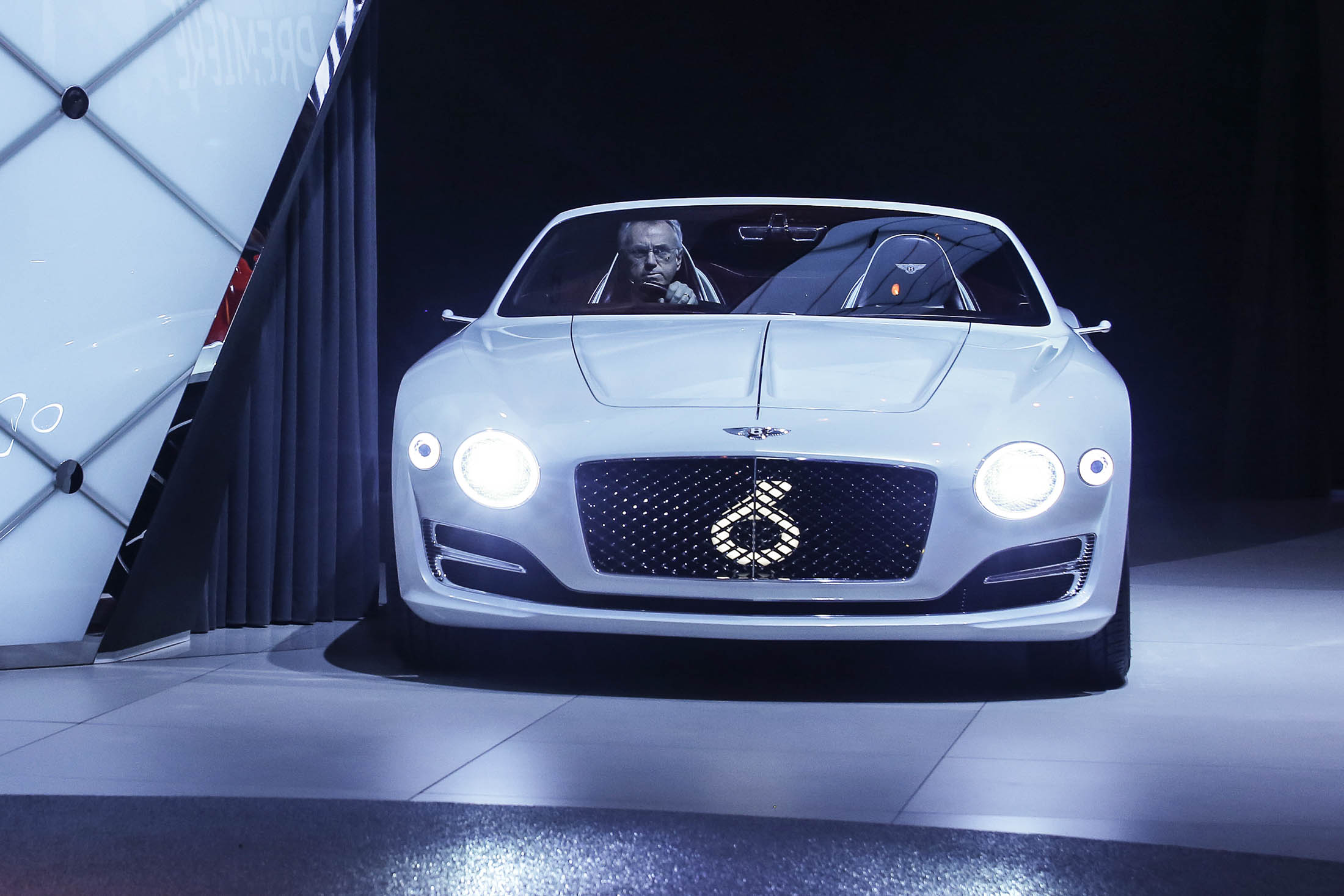 Bentley S First Ever Electric Concept Car Is A Luxury Fever Dream Bloomberg