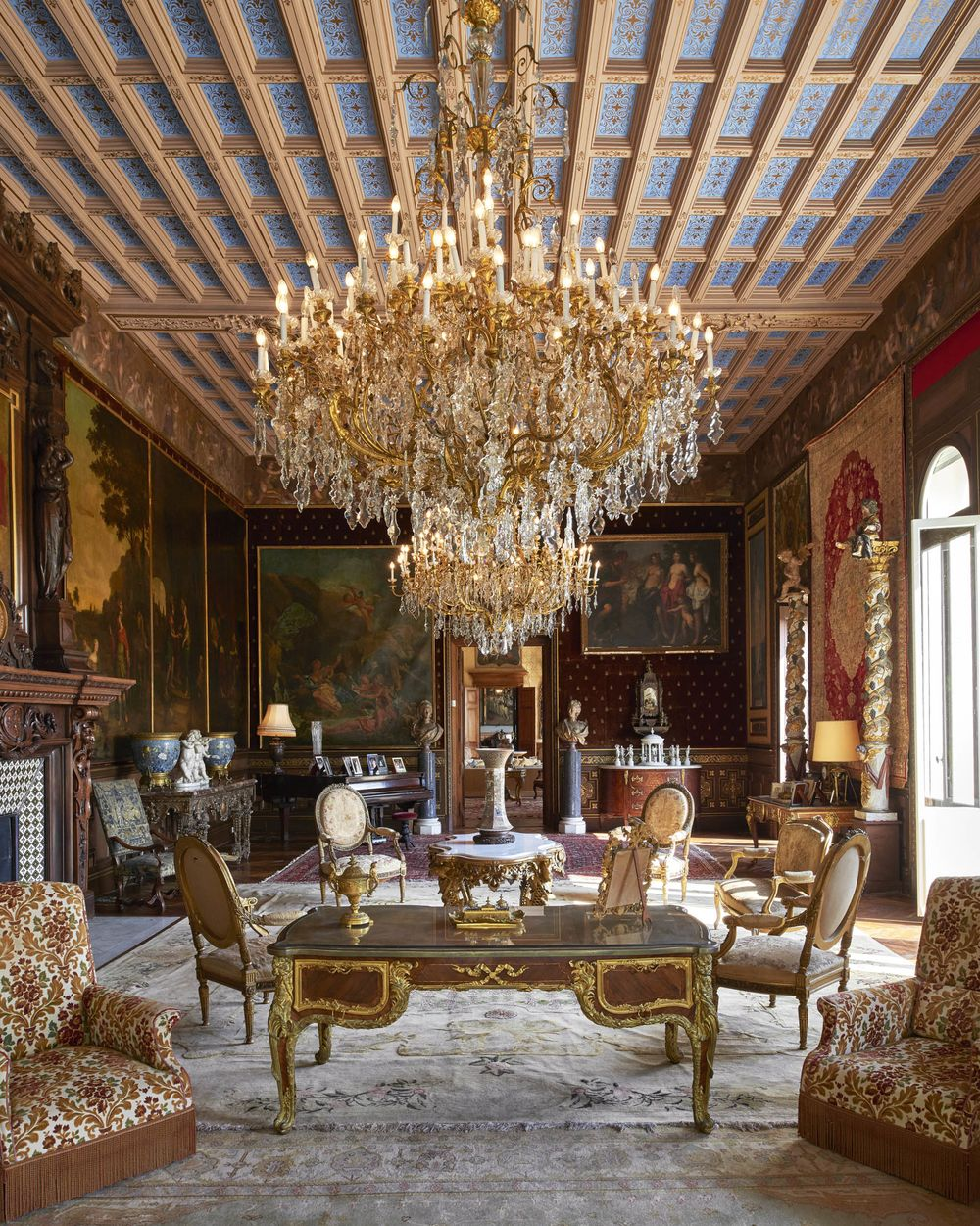 4f394e88bf6 Look Inside the Most Expensive House on Earth