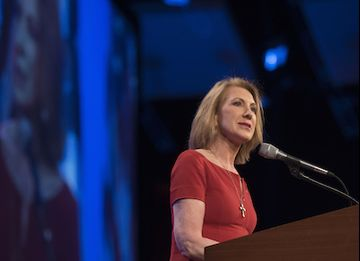 Carly Fiorina, former chairman and chief executive officer of Hewlett-Packard Co. and 2016 U.S. presidential candidate, speaks during the Republican Party of Iowa's Lincoln Dinner in Des Moines, Iowa, U.S., on Saturday, May 16, 2015. Several current and potential candidates for U.S. president will speak during the dinner, hosted by the Republican Party of Iowa. Photographer: Daniel Acker/Bloomberg *** Local Caption *** Carly Florin