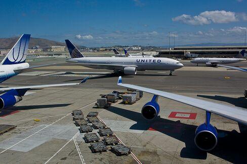 A United Boeing 777 in San Francisco, California.