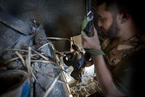 EU Allowing Arms Sales to Syrian Rebels Under U.K. Pressure