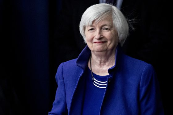Yellen Says Trump's Criticism of Fed Policy Is Damaging and Unwise