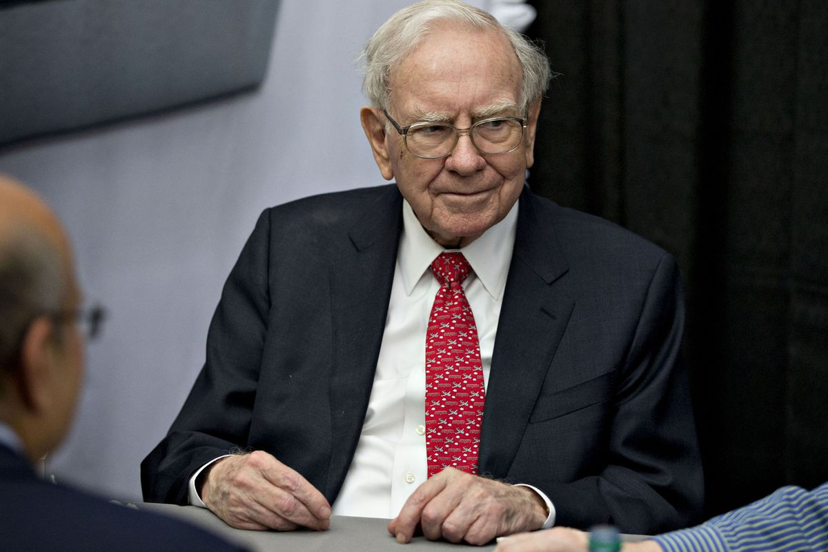 Warren Buffett Declines to Endorse Michael Bloomberg for President