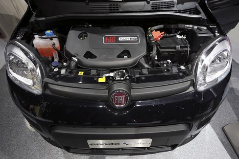 Fiat Tumbles on Cash Concerns Amid European Losses