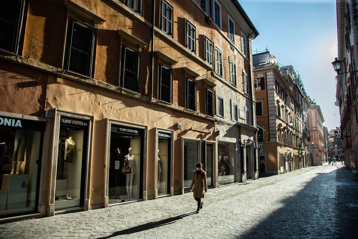 Italy Nears Decree on $216 Billion in Guarantees to Companies