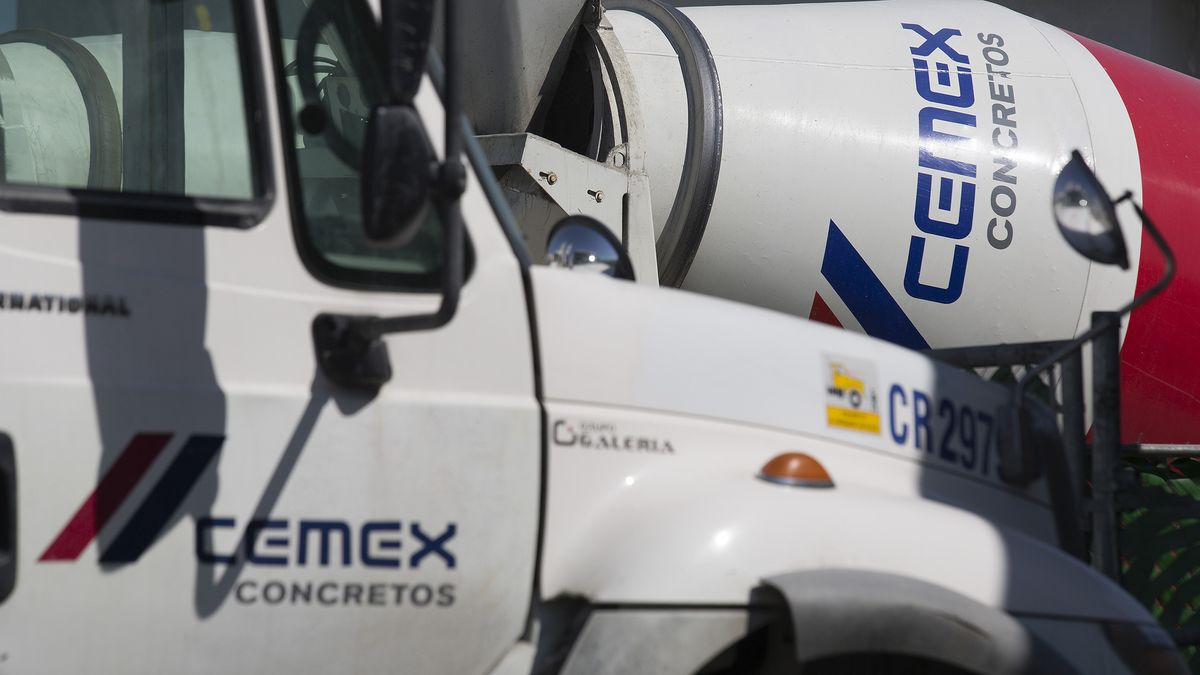Cemex Spurns Role as Mexico Wall Supplier in Spite of Allure