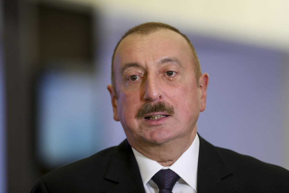 Azeri President Criticizes Iranian Military Drills Near Border