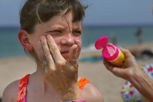 Sunscreen Makers Face New Test for Cancer-Protection Claims