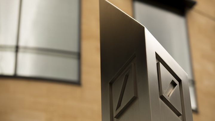 Deutsche Bank Bonuses May Be Cut by 20%