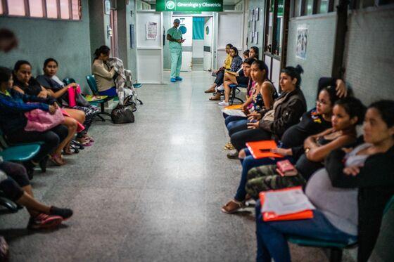 One Risky Birth Shows How Venezuela'sDiaspora Strains Its Neighbors