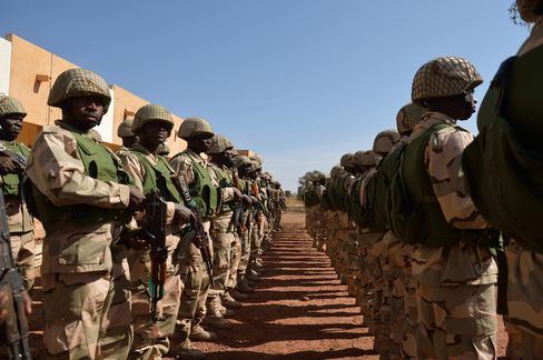 African Troops Face Mali Rebels as Forces Gather for Battle