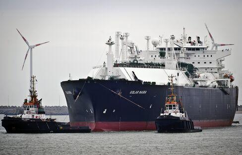 Billionaire Fredriksen Winning as LNG Tanker Rates Drop