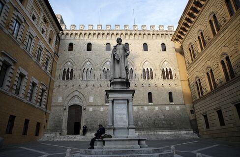 Banca Monte dei Paschi di Siena SpA Headquarters Stand in Siena