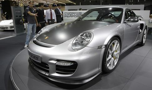 Porsche Sells Out $329,000 911 GT2 RS