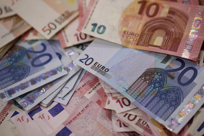 """Η ΕΕ έχει πρόβλημα με το """"βρώμικο"""" χρήμα"""