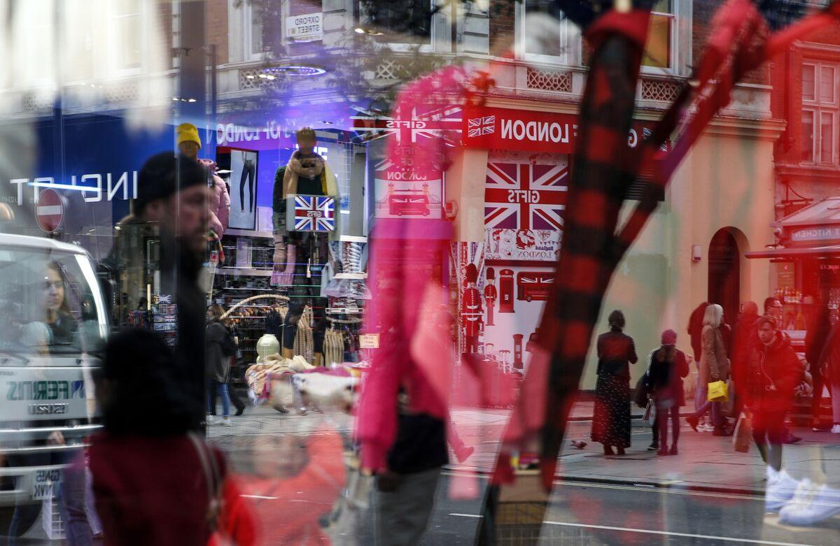 U.K. Retail Data Calls Post-Election Economic Bounce Into Question