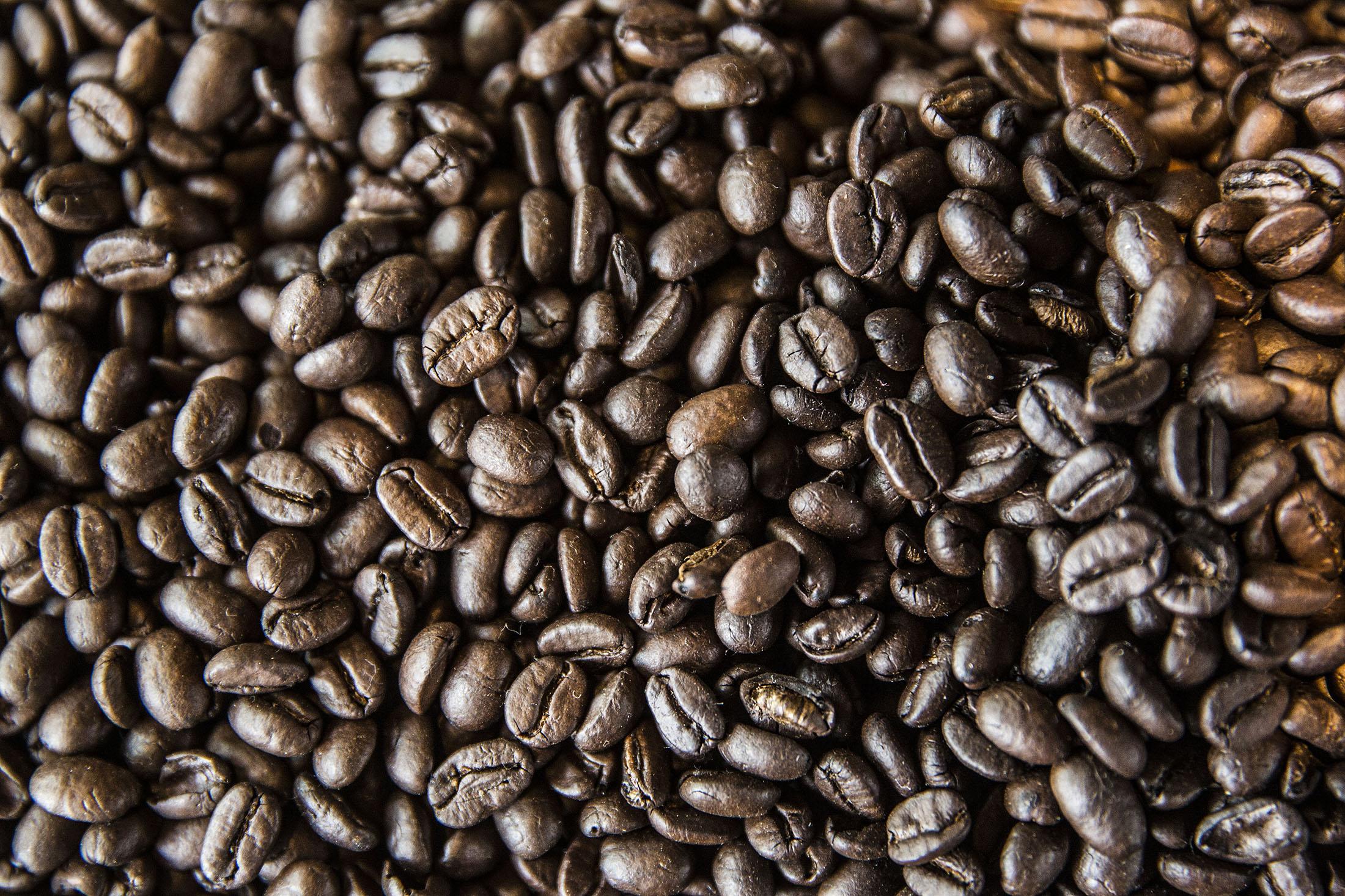 Coffee Loving Millennials Push Demand To A Record Bloomberg Green Bean Kopi Diet Java Robusta