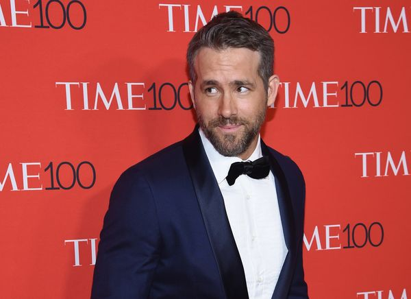 Actor Ryan Reynolds Invests in Gin After Clooney's Big Tequila Payoff 600x-1