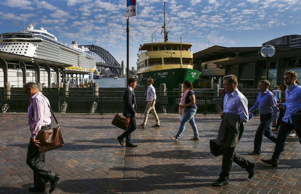Australia Employment Works in Central Bank's Favor as Jobs Surge