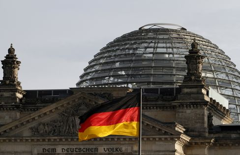 Germany to Borrow for Free at Two-Year Sale Amid Debt Crisis