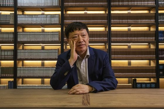 This Chinese Newspaper Editor Is Moving Markets With His Tweets