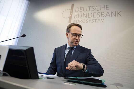 Bundesbank Hedges Against Higher Rates Even as Outlook Weakens