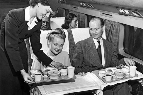 American Ends Meals in First Class on Shorter Flights