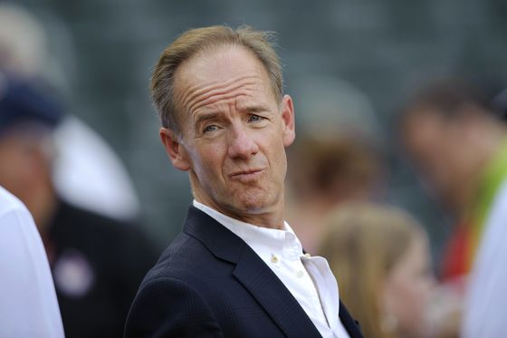 Twins' Jim Pohlad Joins Bidding for Fox Sports Networks