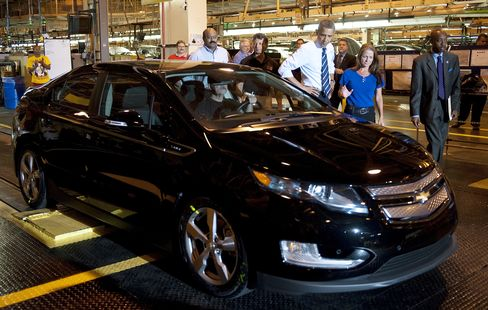 Carmakers Blitz Lawmakers Amid Fight Over Fuel-Economy Rule