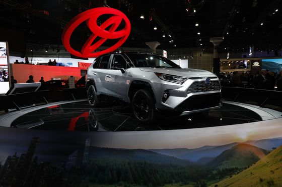Toyota Boosts U.S. Spending Plan Almost 30% With an Eye on Trump
