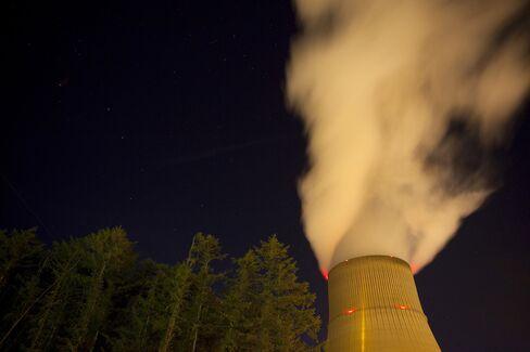 RWE Said to Plan 3,400 Generation-Unit Job Cuts as Profit Drops