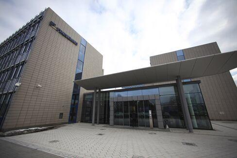 Fresenius Med Profit Rises on Higher Dialysis Demand