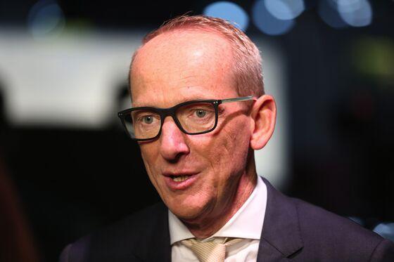 Ex-Opel CEO Faces Elliott Board Nominee in Hyundai Showdown