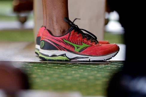 Wendy Davis and the Anti-Abortion Bill-Stopping, Sneaker-Selling Filibuster