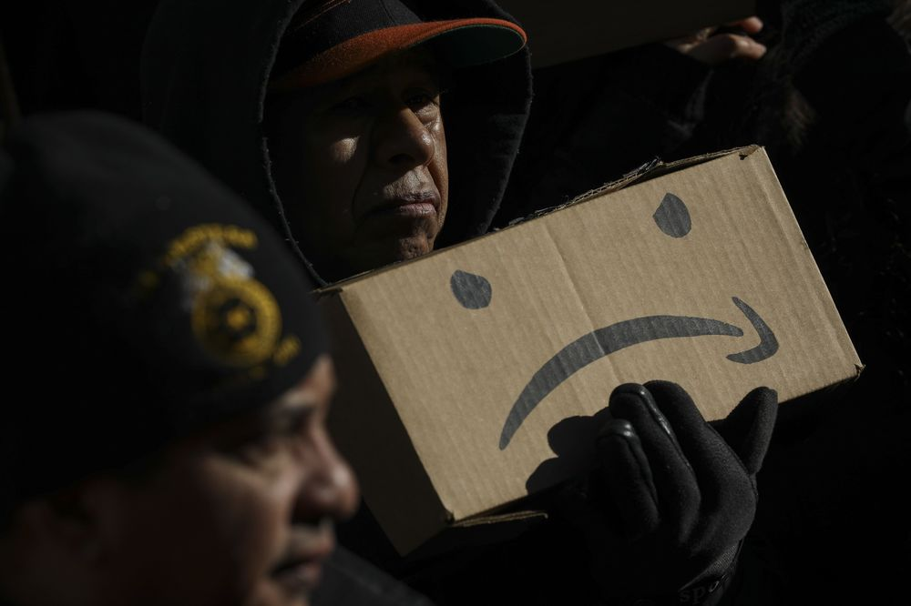 Amazon Walks Out on New York Headquarters Deal: Opinion - Bloomberg
