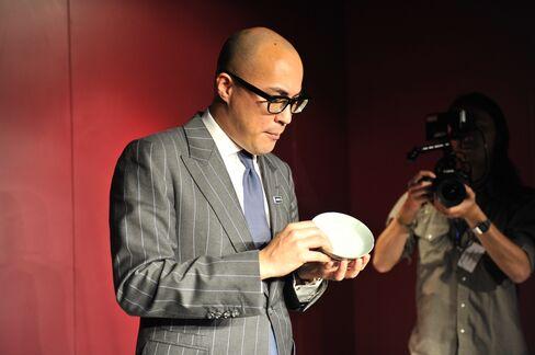Nicolas Chow with brush washer