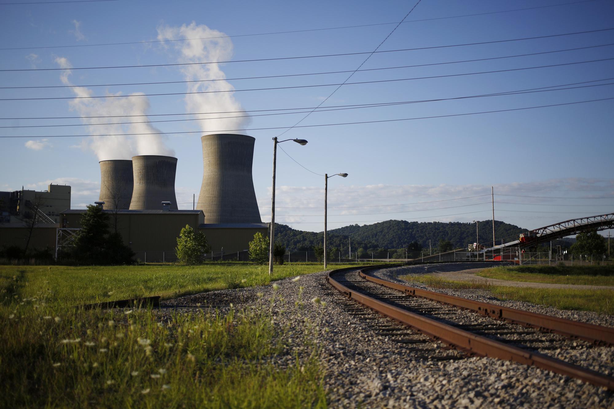 The AEP Coal-Fired John E. Amos Power Plant As EPA Reviews MATS